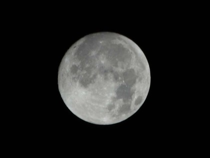20111209_full_moon_02_xga_trim.jpg